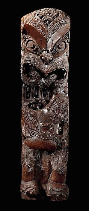 Maori post figure