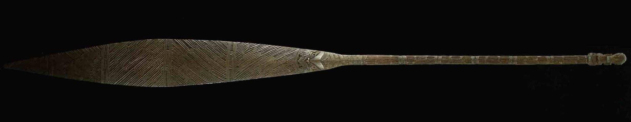 Maori paddle
